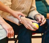Olajšajmo življenje starejšim